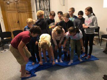žáci na adaptačním kurzu